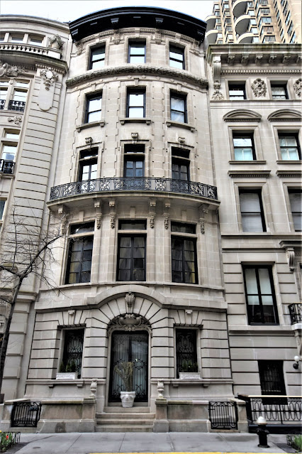 6 East 62nd Street
